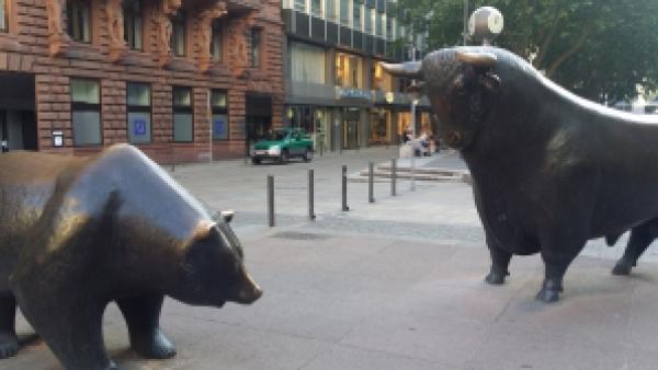 Bulle und Bär in Frankfurt, Alte Börse